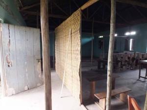 Rieten 'tapijten' dienen als muren